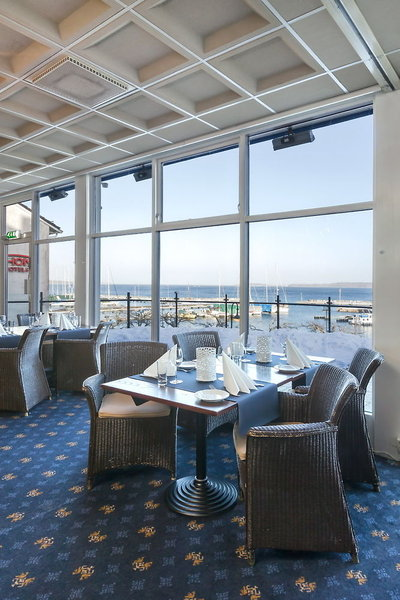 thon-hotel-sgrdstrand-norwegia-ostland-asgardstrand-bar.jpg