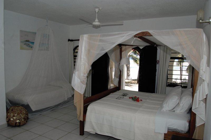 she-she-beach-resort-she-she-beach-resort-wybrzeze-kenii-wybrzeze-kenii-restauracja.jpg