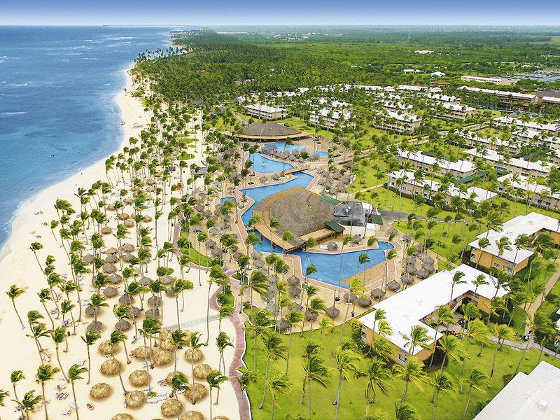 sirenis-tropical-suites-casino-aquagames-dominikana-wschodnie-wybrzeze-uvero-alto-widok-z-pokoju.jpg