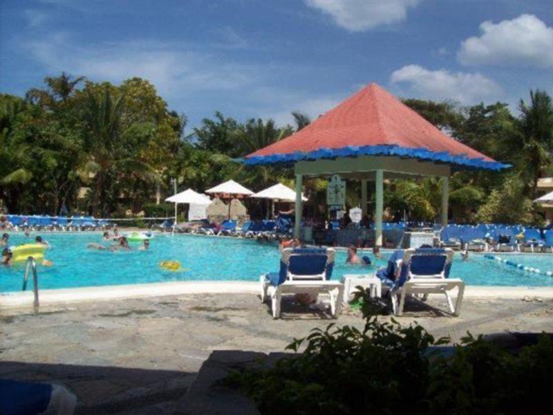 fun-tropicale-beach-resort-dominikana-wybrzeze-polnocne-bufet.jpg
