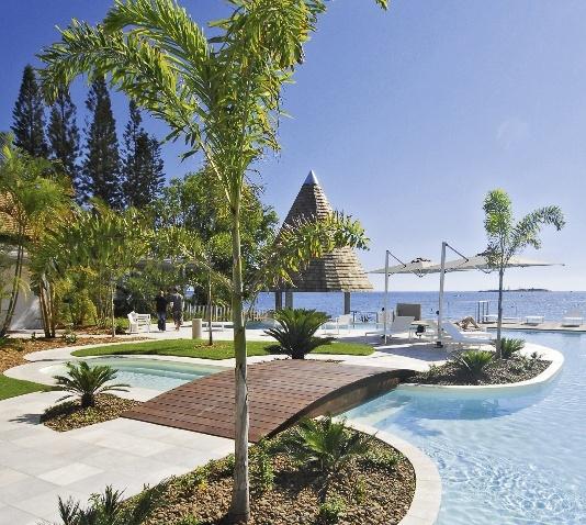 chateau-royal-beach-resort-nowa-kaledonia-nowa-kaledonia-noumea-ogrod.jpg
