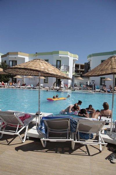 la-luna-hotel-ex-abacus-la-luna-hotel-turcja-polwysep-bodrum-gumbet-bar.jpg
