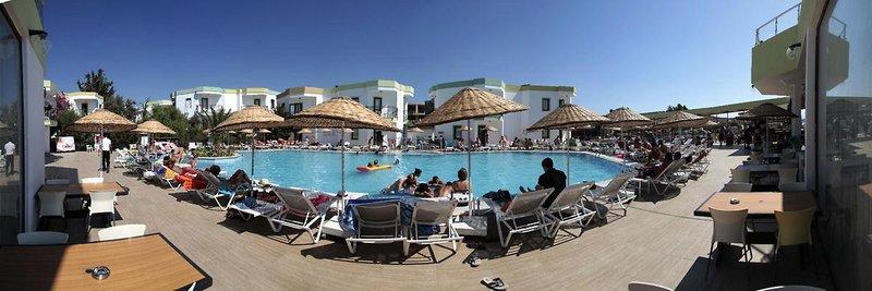 la-luna-hotel-ex-abacus-la-luna-hotel-turcja-polwysep-bodrum-widok-z-pokoju.jpg