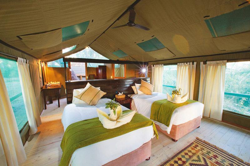 gunn-s-camp-botswana-park-narodowy-okavango-delta-rozrywka.jpg