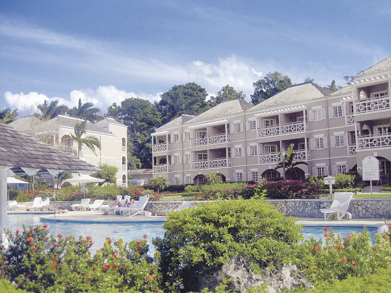 couples-resort-sans-souci-jamajka-jamajka-basen.jpg