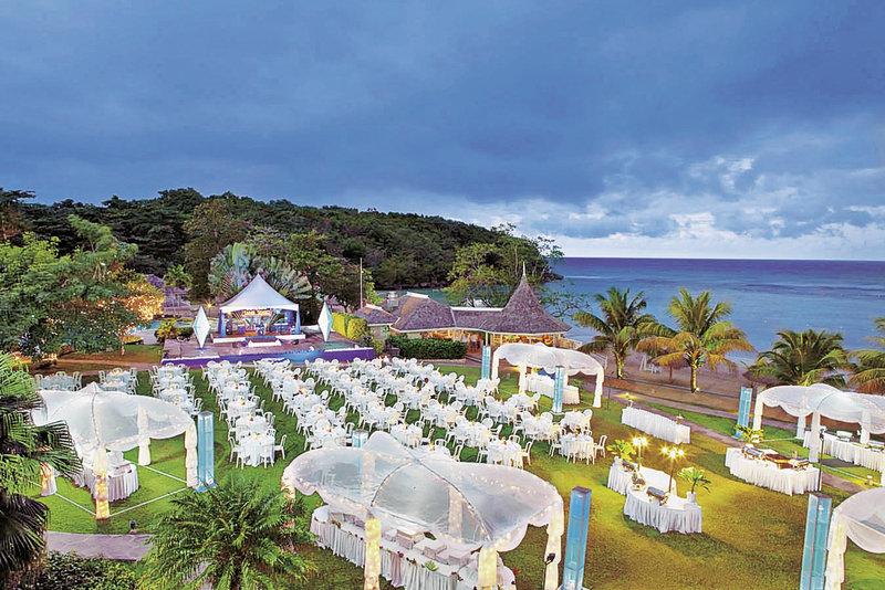 couples-resort-sans-souci-jamajka-wyglad-zewnetrzny.jpg