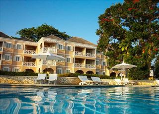 couples-sans-souci-jamajka-basen-wyglad-zewnetrzny.jpg
