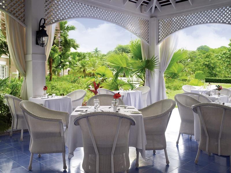 couples-sans-souci-jamajka-restauracja-bar.jpg