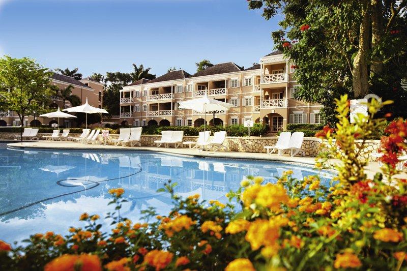 hotel-couples-sans-souci-jamajka-jamajka-ocho-rios-lobby.jpg