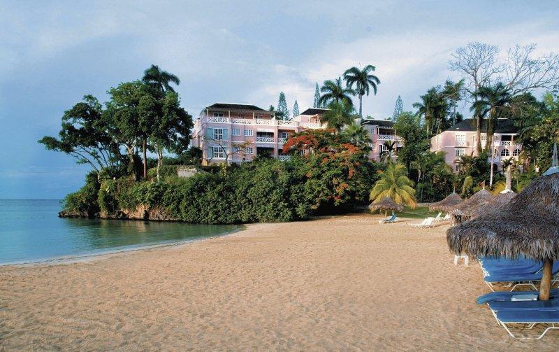 hotel-couples-sans-souci-jamajka-jamajka-ocho-rios-ogrod.jpg