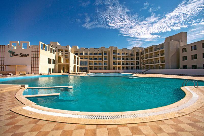 beau-rivage-boutique-resort-jordania-jordania-aqaba-basen.jpg