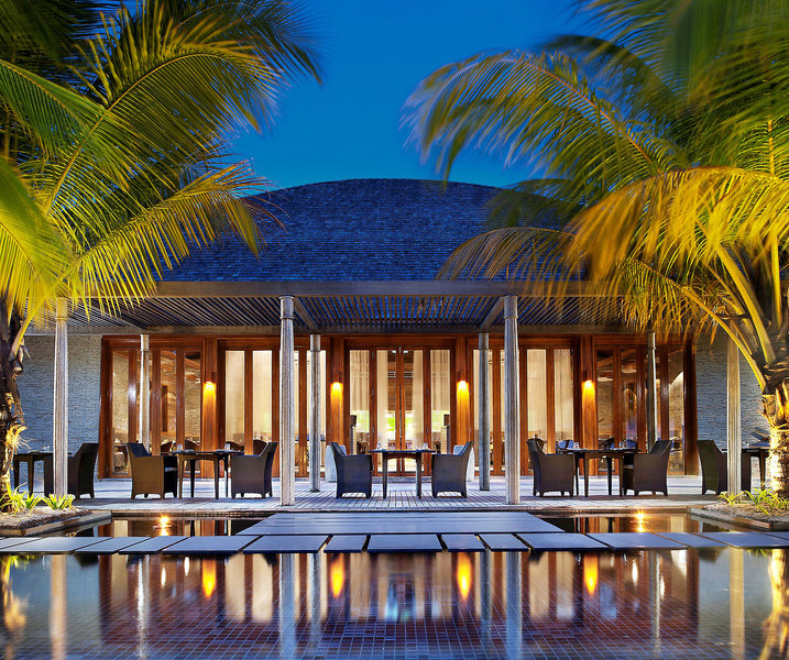 w-hotels-retreat-spa-maldives-w-retreat-and-spa-maldives-recepcja.jpg