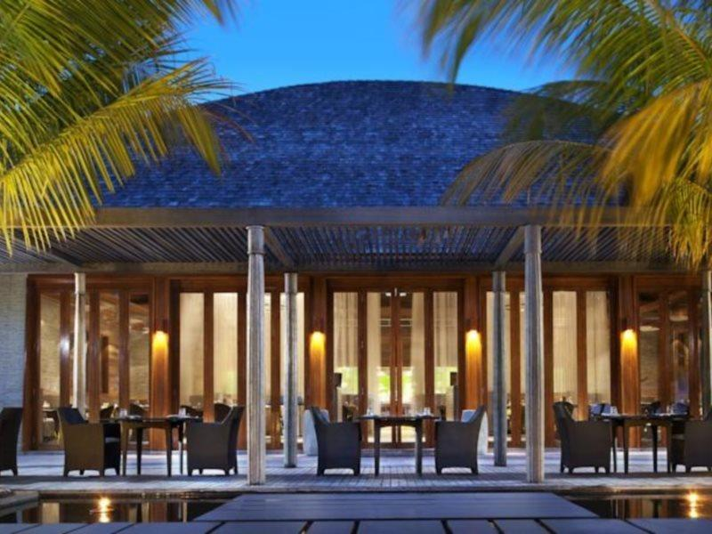 w-hotels-retreat-spa-maldives-w-retreat-and-spa-sport.jpg