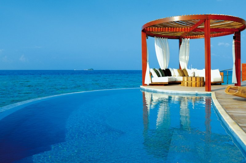 w-hotels-retreat-spa-maldives-w-retreat-spa-maldives-atol-nord-ari-bar.jpg