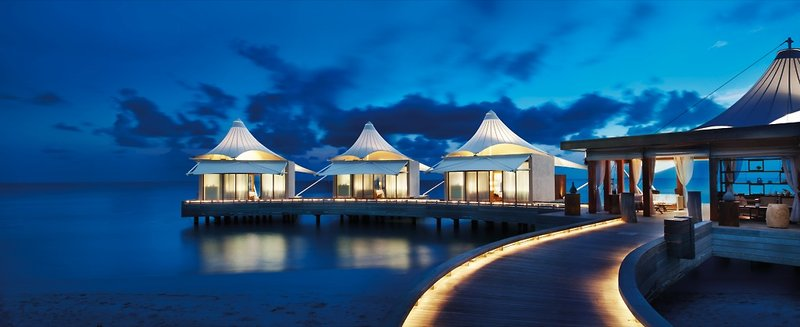 w-hotels-retreat-spa-maldives-w-retreat-spa-maldives-restauracja.jpg