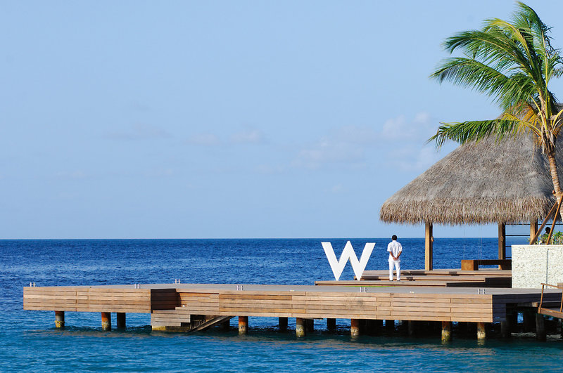 w-retreat-and-spa-maldives-malediwy-bar.jpg