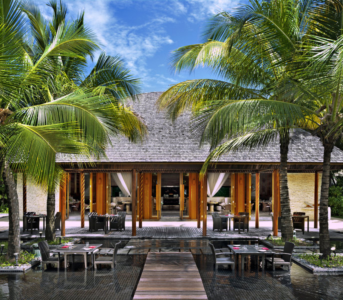 w-retreat-and-spa-maldives-malediwy-malediwy-widok-z-pokoju.jpg