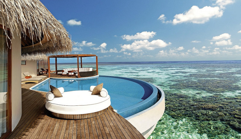 w-retreat-and-spa-maldives-malediwy-plaza-wyglad-zewnetrzny.jpg