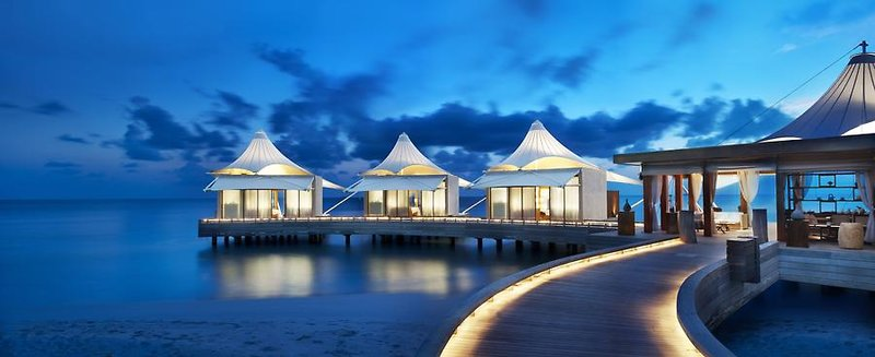 w-retreat-spa-maldives-malediwy-atol-ari-atol-ari-basen.jpg