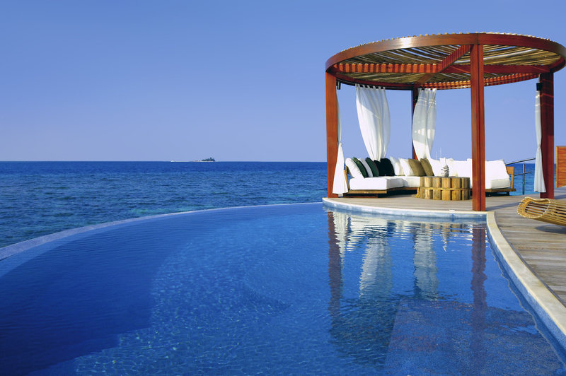 w-retreat-spa-maldives-malediwy-atol-ari-bufet.jpg