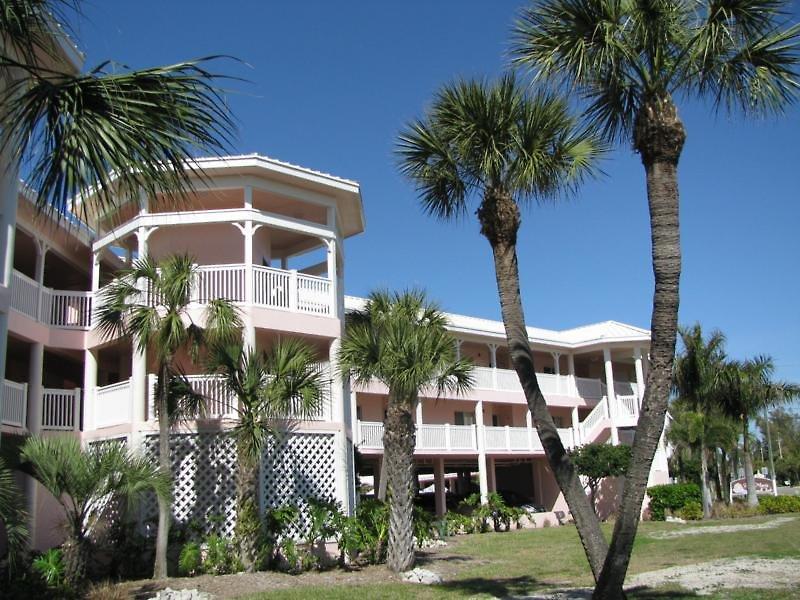 beach-club-anna-maria-usa-floryda-basen.jpg