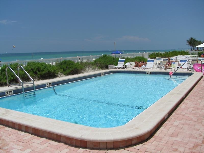 beach-club-anna-maria-usa-floryda-lobby.jpg