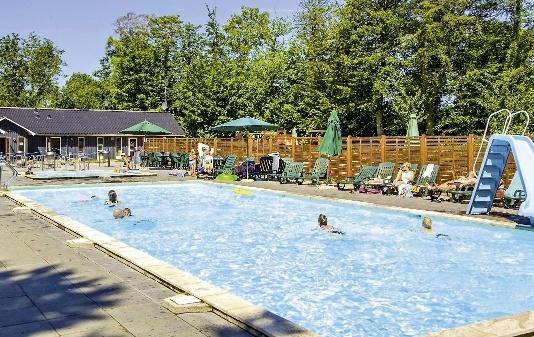 hasle-ferienpark-dania-bornholm-hasle-plaza.jpg
