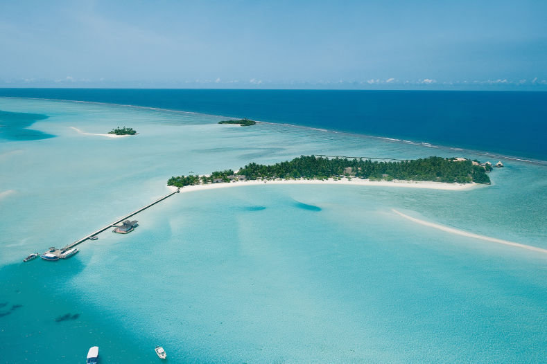 rihiveli-by-castaway-hotels-and-escapes-malediwy-widok-z-pokoju.jpg