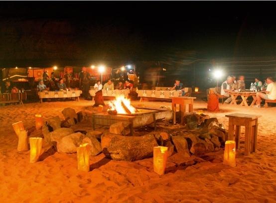 captains-camp-jordania-petra-i-okolice-plaza.jpg