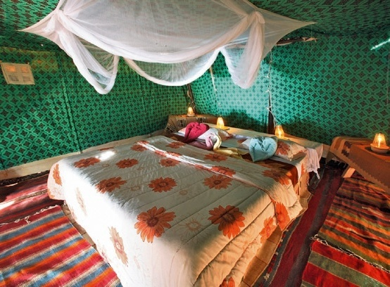 captains-camp-jordania-petra-i-okolice-wadi-rum-bufet.jpg